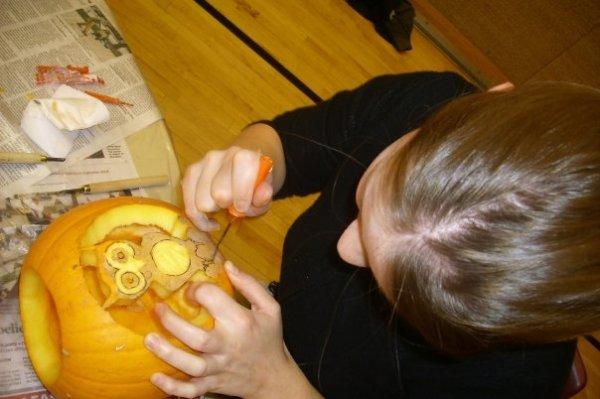 lili owl pumpkin 2009